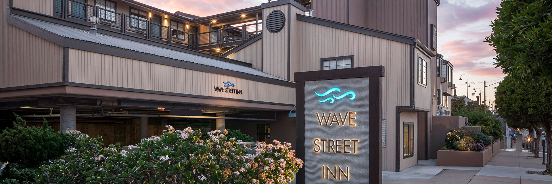 Book Direct Benefits At Wave Street Inn Monterey California
